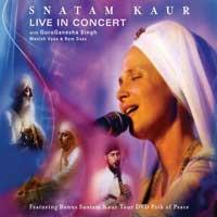 Snatam Kaur: CD Snatam Kaur - Live in Concert (CD/DVD-Set)